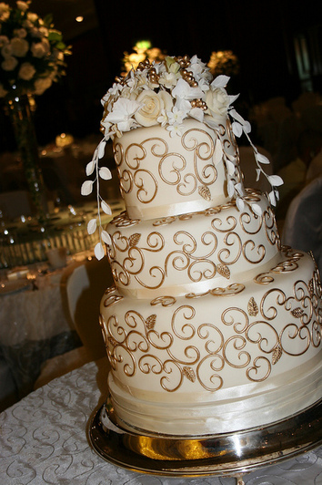 wedding cake bakery the knot gold wedding cakes the knot a wedding cake company 21969